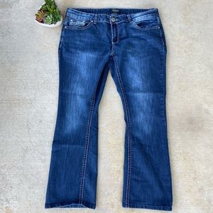 🎉ZCO Jeans embroidered pocket jeansB6-40